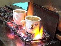 Sukru-beyin-yeri-fincanda-pisen-turk-kahvesi-1