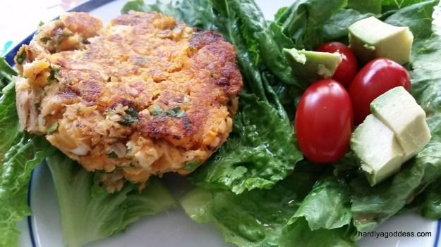 Paleo Salmon Cakes: Easy & Inexpensive