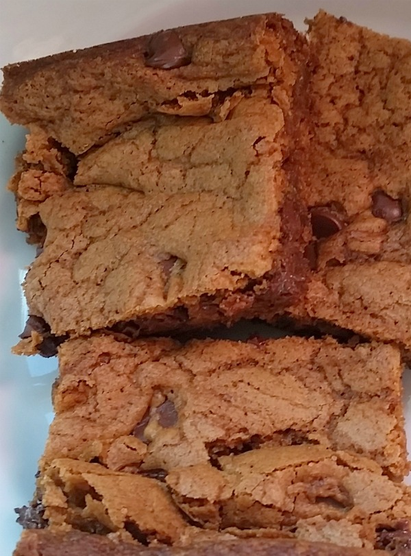 Blondies: Brownies for People Who Don't Like Chocolate