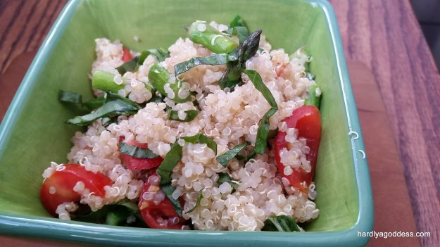 Lemon Quinoa Salad with Asparagus and Tomatoes #Sunday Supper