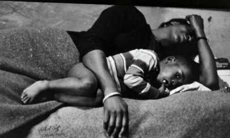 gordon-parks-bessie-fontenelle-and-little-richard-in-bed-harlem-new-york-1968