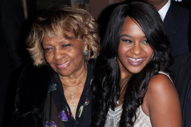 "Cissy Houston and her grand daughter Bobbi Kristina Brown (R) attend the opening night of ""The Houstons: On Our Own"" in New York in an October 22, 2012 file photo. REUTERS/Andrew Kelly/Files"