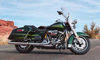 Motocykel Harley-Davidson touring Road King farba Kinetic Green
