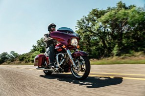 Motocykel Harley-Davidson Touring Street Glide Special