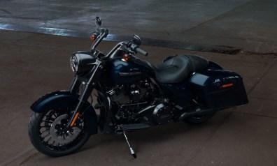 Motocykel Harley-Davidson Touring Road King Special 114 farba Midnight Blue