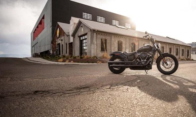 Motocykel Harley-Davidson Softail Street Bob