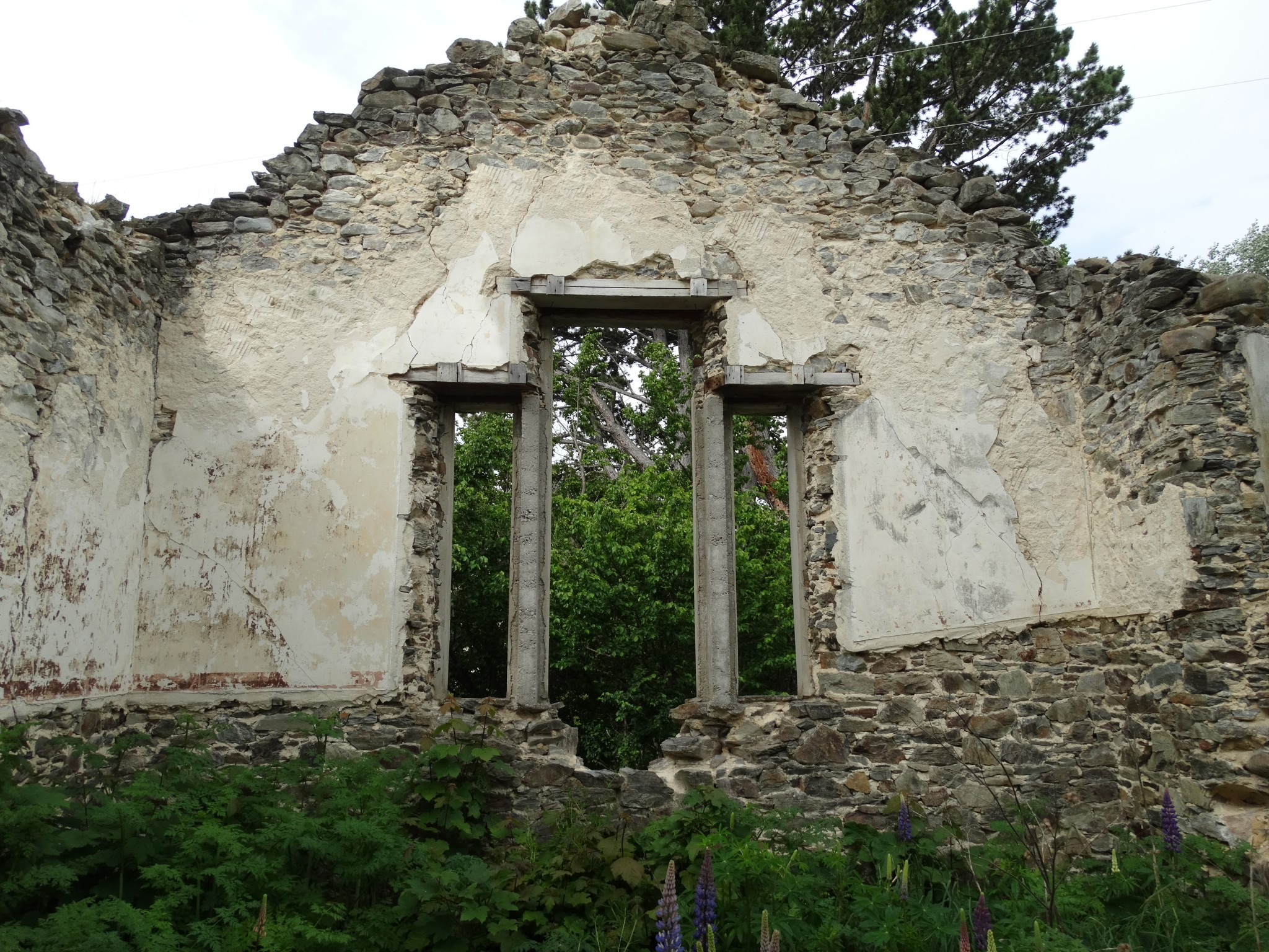 St Bathans School ruins return visit - Photo Gallery