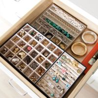 Keep It Pretty: Closet Inspiration For Storing and Organizing Your Jewellery