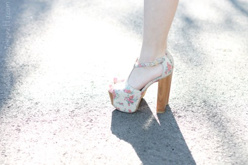 www.HautePinkPretty.com - An Dyer wearing Jessica Simpson Dany Oatmeal Vintage Floral profile view