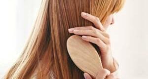 Combing-Hair_300