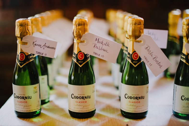 2-champagne_escort-cards_denver-wedding-planner-cloud-9
