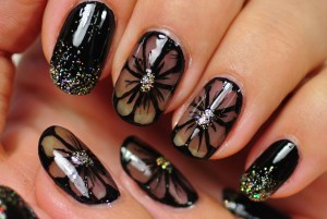 nail-art-with-flower-design-wallpaper