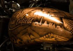 Modified-Royal-Enfield-Thunderbird-500-Fuel-Tank-Paint-Customs