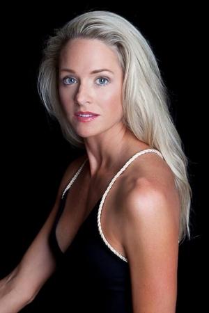 professional female actor headshots charleston sc (10)
