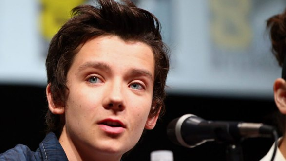Asa+Butterfield+Ender+Game+Stars+Talk+Press+e5tK0EjlYJMx