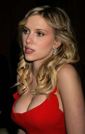 scarlett johansson breasts Scarlett Johansson, Body Image, Health, Fitness and the Gossip Rags