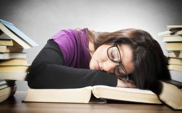 These Are the Signs That You May Be Sleep Deprived