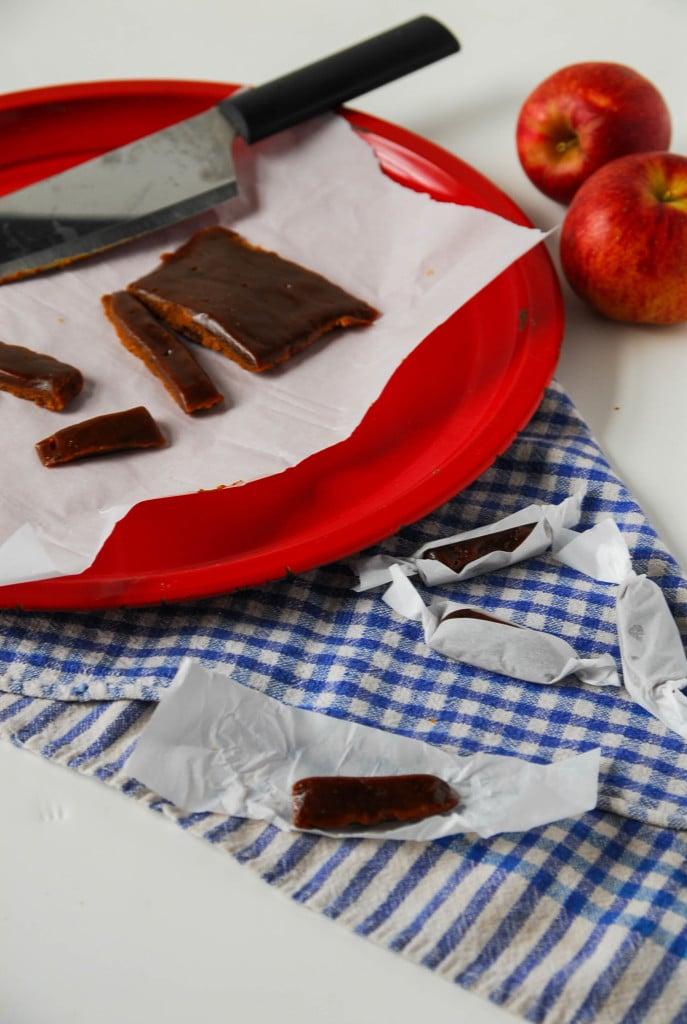 Maple Apple Cider Caramels// heartofabaker.com