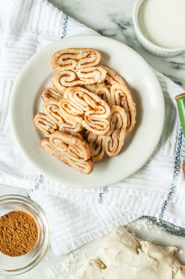 How to Make Vegan Puff Pastry//heartofabaker.com