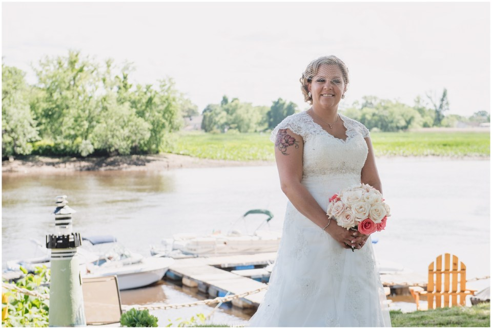 south jersey wedding photographer, bride portraits, lace sleeves, rose bouquet