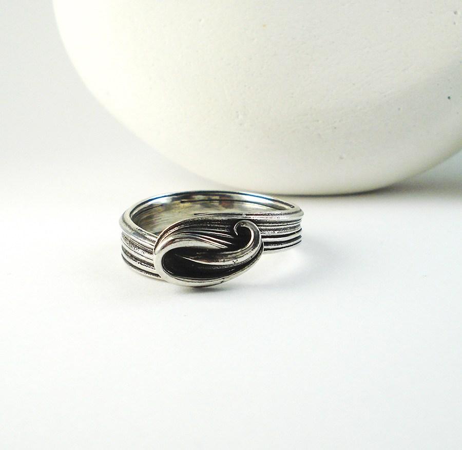 Mitsuro Wave Ring
