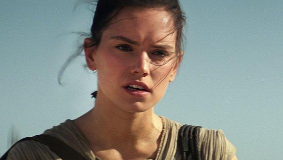 14. Rey (Daisy Ridley) - Vojna zvezd: Sila se prebuja