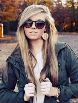 19 deklet, ki navdihujejo s svojimi dolgimi lasmi: V središču pozornosti lahko ostane frufru.