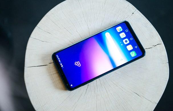LG V30 pri zaslonu pusti vso konkurenco zadaj! Vsekakor eden njegovih največjih adutov.