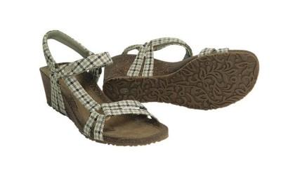 teva strappy sandals