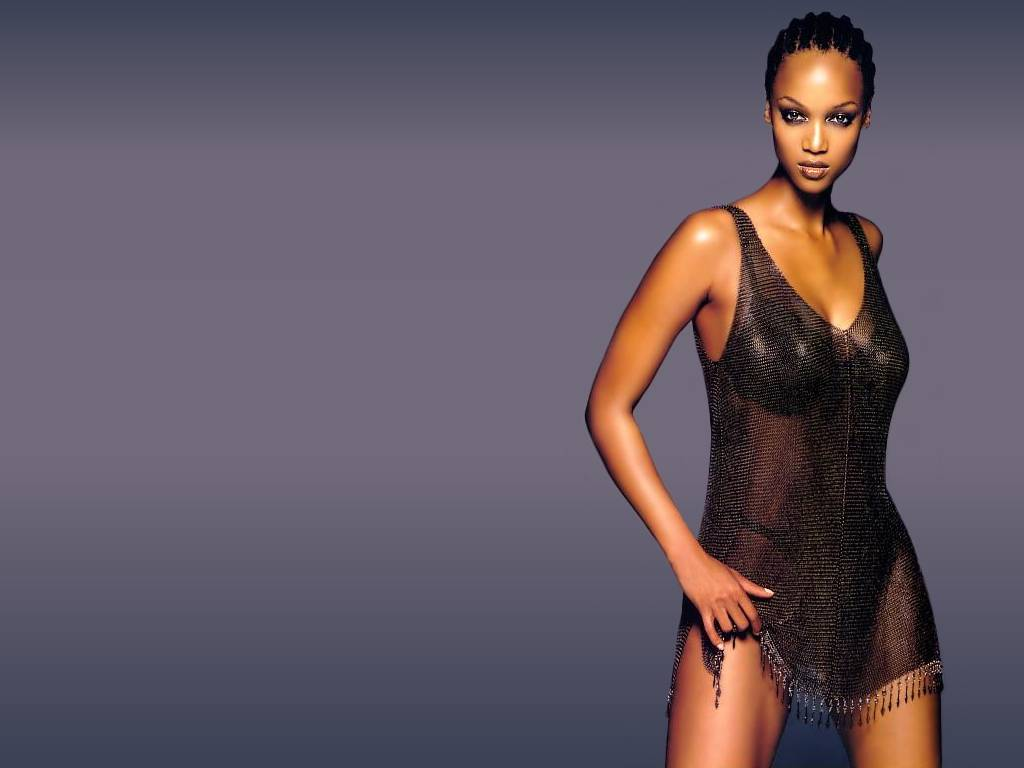 Tyra Banks height 1