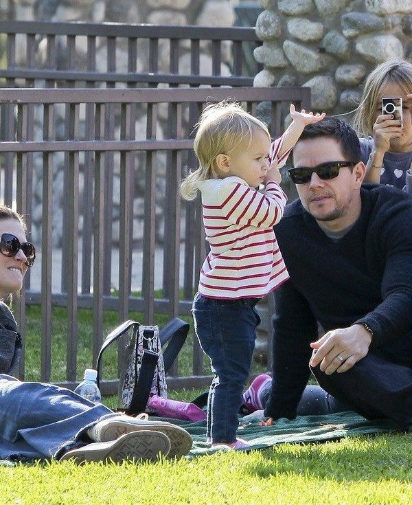 12/21/11 Los Angeles CA- Mark Wahlberg and family enjoying a sunny day at the park in Los Angeles CA                                                              Ref# AKM8004                                                                                        Credit Byline: Dobner/Spot/AKM Images