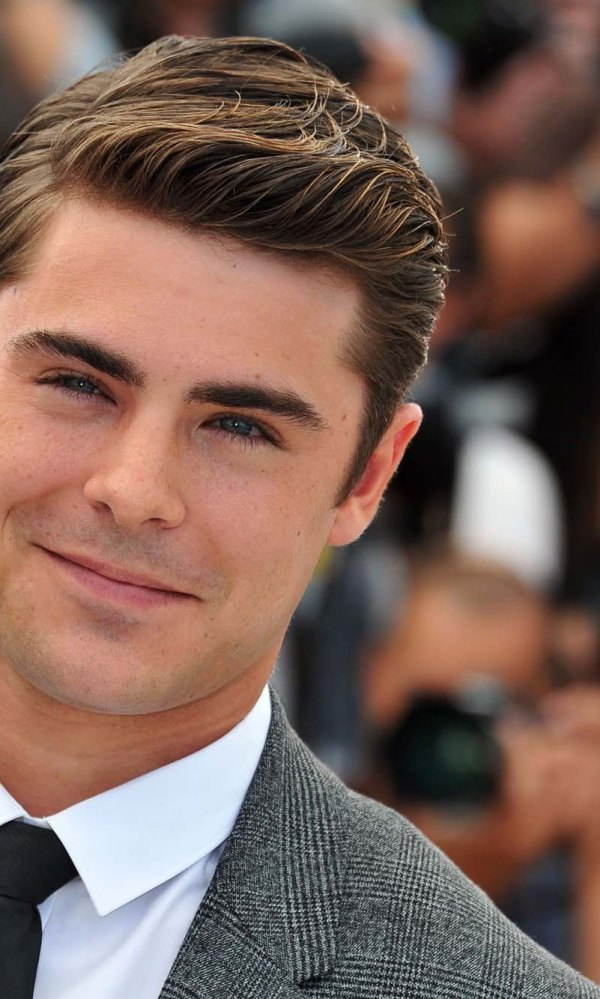 Zac Efron Height Weight Chest Waist and Biceps