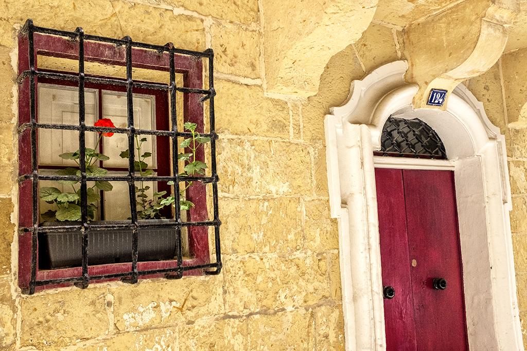 barred window geranium 124 Malta