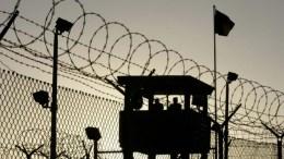 Οι Ηνωμένες Πολιτείες μετέφεραν 15 κρατούμενους του Γκουαντάναμο στα Ηνωμένα Αραβικά Εμιράτα, ανακοίνωσε το Πεντάγωνο. Photo EPA