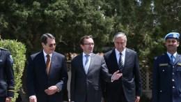 Ο Πρόεδρος Αναστασιάδης με τον κ. 'Αιντα και τον κατοχικό ηγέτη Ακιντζί. Φωτογραφία ΚΥΠΕ/CNA