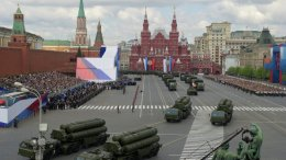 MOSCOW_PARADE