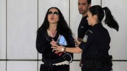 Φωτογραφία αρχείου. Η  Βίκυ Σταμάτη βγαίνει συνοδευόμενη από αστυνομικούς από το Εφετείο Αθηνών. ΑΠΕ-ΜΠΕ, ΟΡΕΣΤΗΣ ΠΑΝΑΓΙΩΤΟΥ