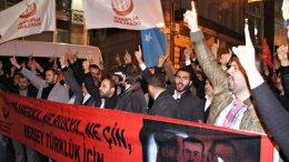 Στο ολλανδικό, αντί του ρωσικού, προξενείο στην Κωνσταντινούπολη, επιτέθηκαν Τούρκοι διαδηλωτές, κατά…λάθος. Φωτογραφία Today's Zaman