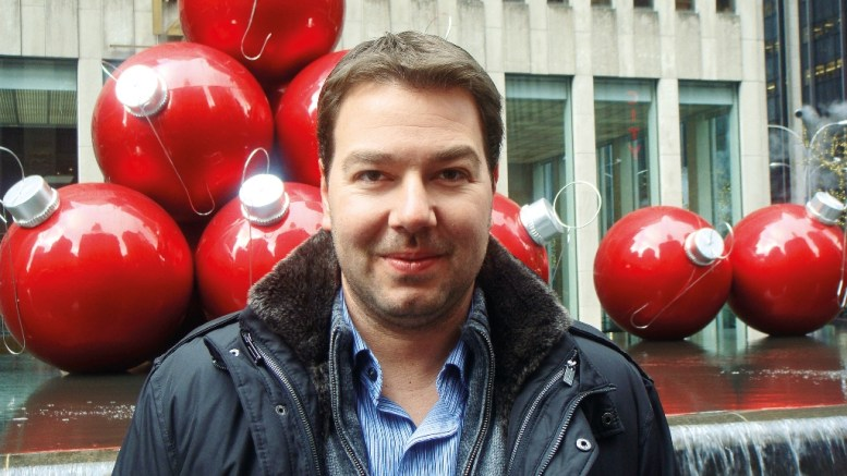 Ο Ηλίας Παππάς. Φωτογραφία www.peoplegreece.com