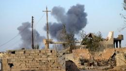 FILE PHOTO: Smoke rising during fighting between Iraqi army and Islamic State (IS) militants in Ramadi city. EPA, STR