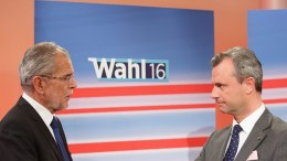 FILE PHOTO. Norbert Hofer (R) of far right-wing Austrian Freedom Party (FPOe) and Independent presidential candidate Alexander Van der Bellen (L), supported by the Green Party, in Vienna, Austria. EPA, FLORIAN WIESER
