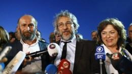 File PHOTO: Η καταδίκη της Ευρώπης για τα μέτρα καταστολής στην Τουρκία έρχεται πολύ καθυστερημένα, κρίνει ο πρώην διευθυντής της εφημερίδας Cumhuriyet . EPA, SEDAT SUNA