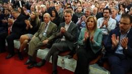 Η πρόεδρος του ΠΑΣΟΚ Φώφη Γεννηματά, ο Γιάννης Τούντας, ο Κώστας Σημίτης, η Εύα Καϊλή,  και ο Ευάγγελος Βενιζέλος. ΑΠΕ-ΜΠΕ, ΑΛΕΞΑΝΔΡΟΣ ΜΠΕΛΤΕΣ