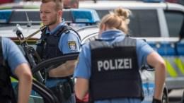 PHILE PHOTO. Police officers in Germany. EPA/BORIS ROESSLER