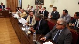Βουλευτές συμμετέχουν στη συνεδρίαση της Εξεταστικής Επιτροπής για τη διερεύνηση της νομιμότητας της δανειοδότησης των πολιτικών κομμάτων, καθώς και των ιδιοκτητριών εταιρειών μέσων μαζικής ενημέρωσης από τα τραπεζικά ιδρύματα της χώρας. ΑΠΕ-ΜΠΕ/Αλέξανδρος Μπελτές