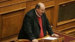 Ο πρώην υπουργός Παιδείας,  Νίκος Φίλης στη Βουλή. ΑΠΕ-ΜΠΕ, Αλεξανδρος Μπελτές