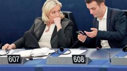 . Τυχόν αποχώρηση από το ευρώ θα αύξανε το χρέος της Γαλλία κατά 30 δισ. ετησίως. EPA, ΑΠΕ-ΜΠΕ