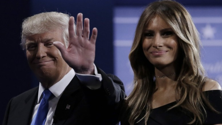 Republican Donald Trump and his wife Melania (R). EPA, PETER FOLEY