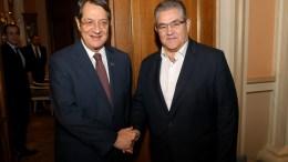 Ο Πρόεδρος της Κυπριακής Δημοκρατίας Νίκος Αναστασιάδης με τον Γενικό Γραμματέα του ΚΚΕ Δημήτρη Κουτσούμπα , Πέμπτη 17 Νοεμβρίου 2016. ΑΠΕ-ΜΠΕ, Παντελής Σαίτας