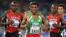 """Ο θρυλικός Αιθίοπας δρομέας Χαϊλέ Γκεμπρεσελασιέ, ο οποίος τις ημέρες αυτές βρέθηκε στη χώρα μας για την βράβευσή του από την AIMS με τον τίτλο «Προσωπικότητα της χρονιάς"""". Φωτογραφία ΑΠΕ-ΜΠΕ"""